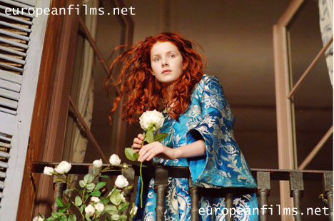 Lauri spelad av Rachel Hurd-Wood.